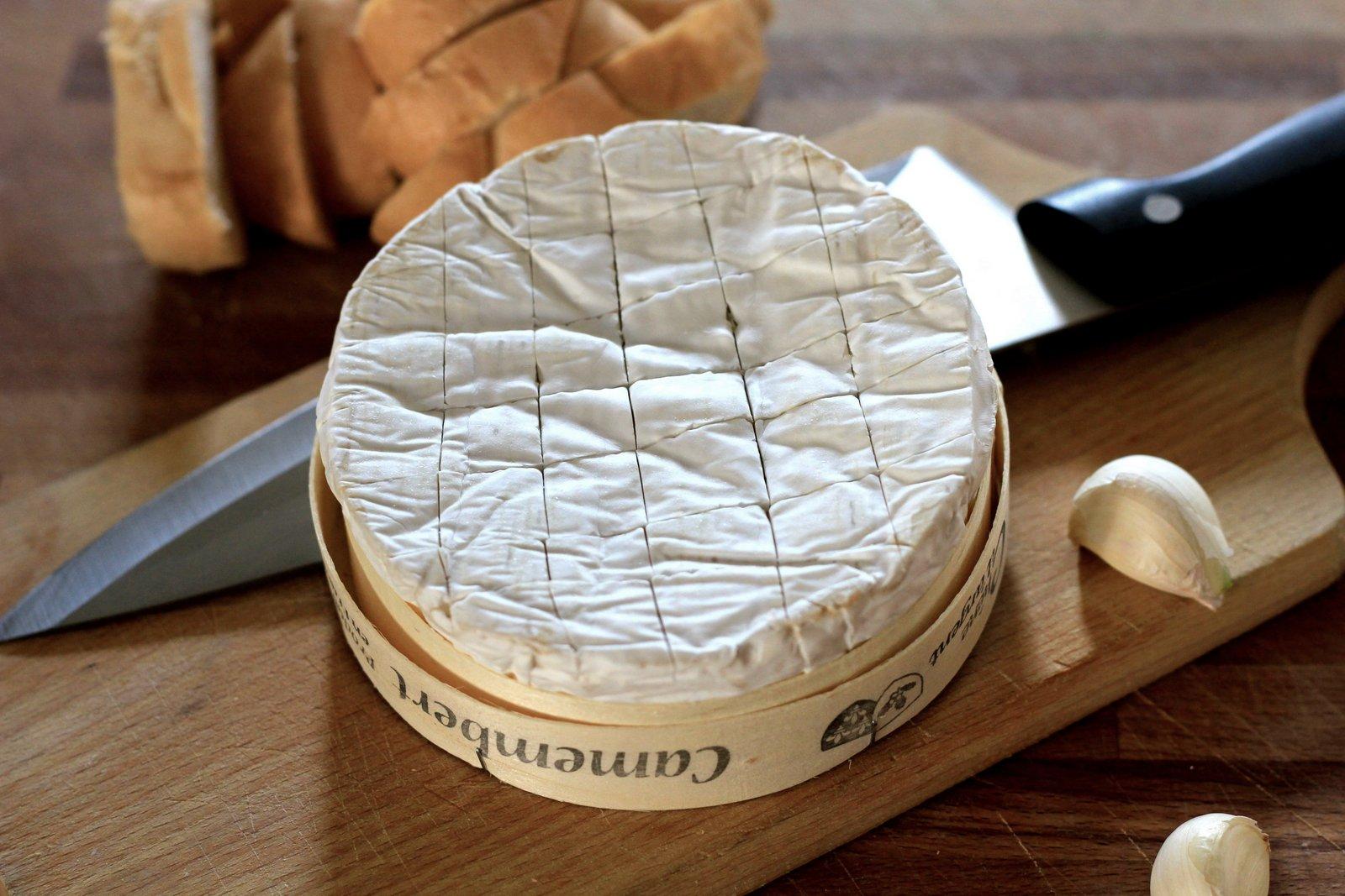 syr s bielou plesňou