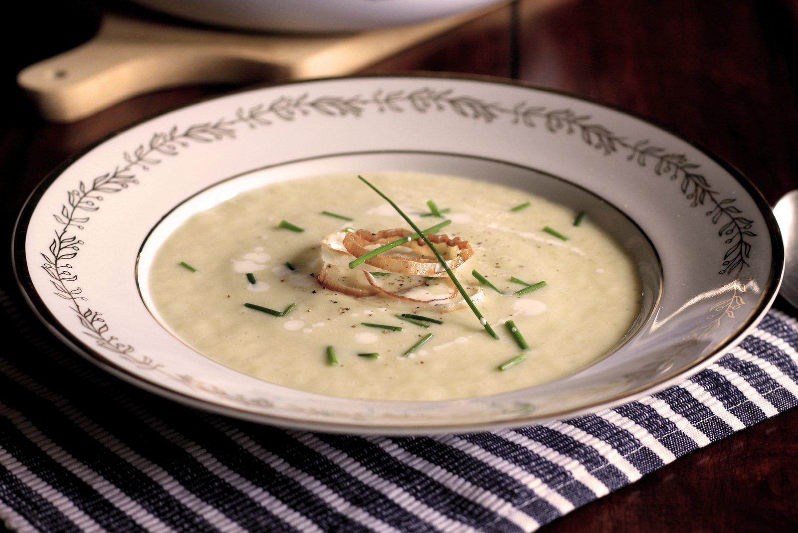 krémová pórovo-zemiaková polievka