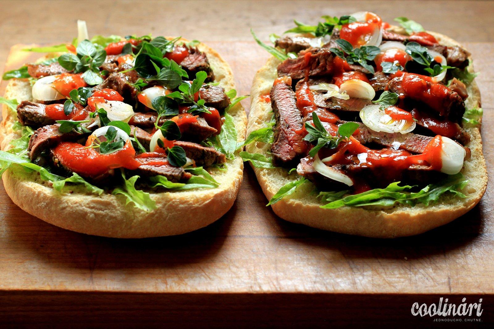 chlapský steakový sendvič