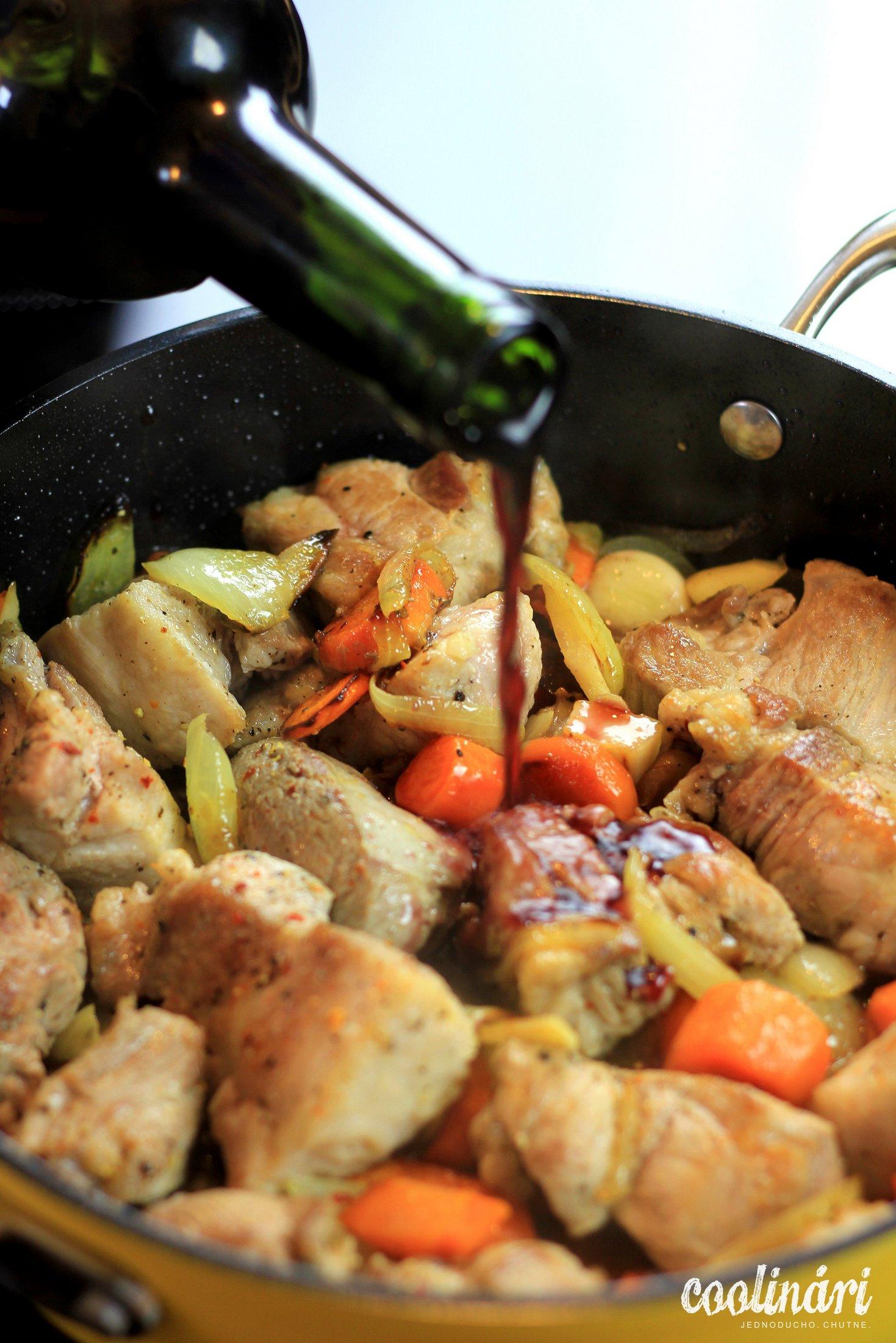 recept, gnocchi a bravčové dusené na víne