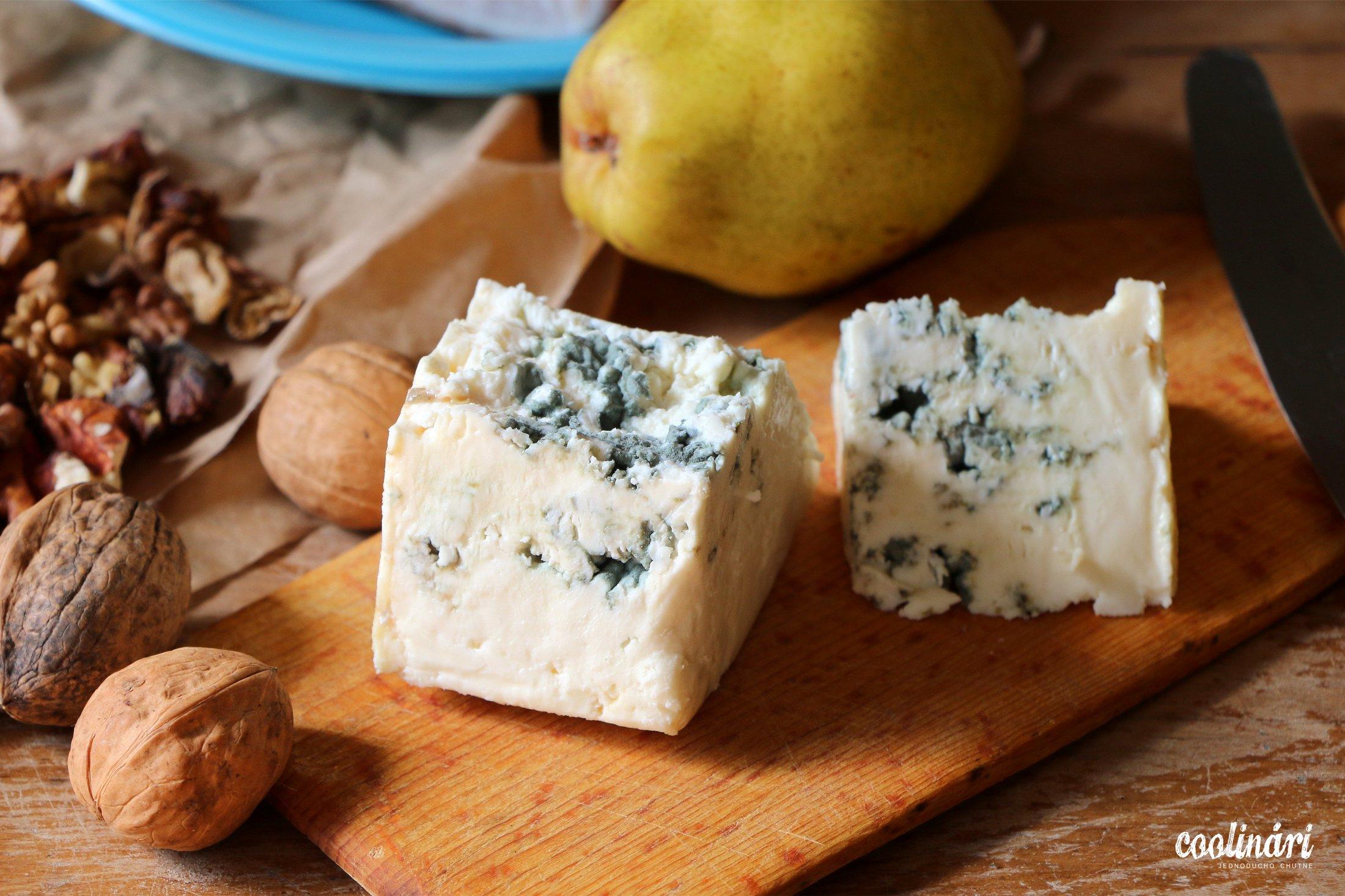 šalát s modrým syrom