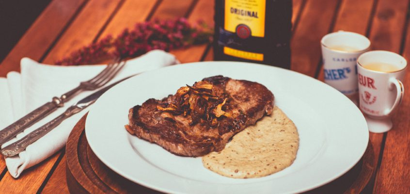 Rib Eye steak a grécke baklažánové pyré