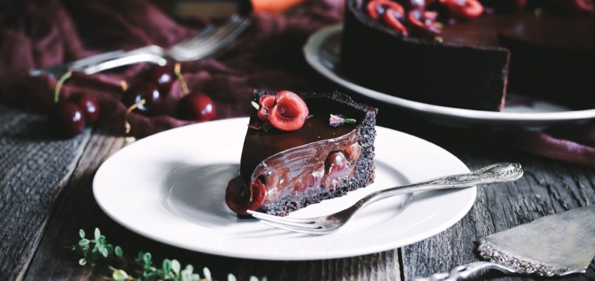 Čokoládový tart s čerešňami