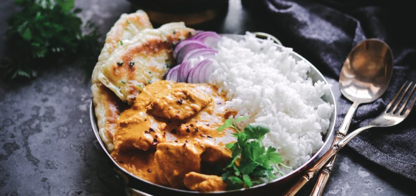 Kura Tikka Masala a chlieb Naan