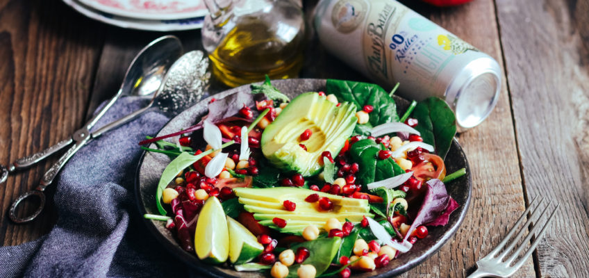 salat s avokadom